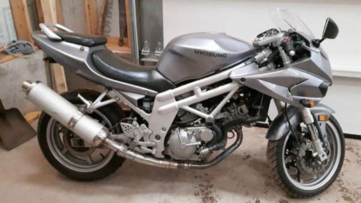 2006 Hyosung GT650 Photo 2 of 5