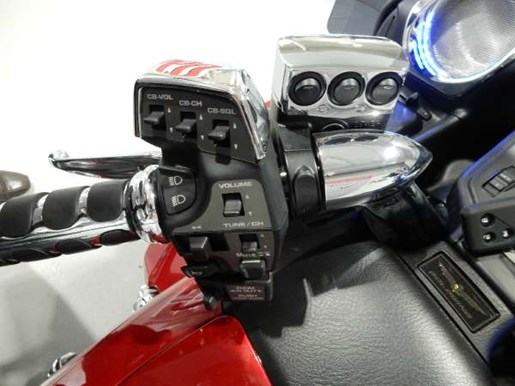 2016 Honda Gold Wing ABS Candy Prominence Red Photo 10 of 32