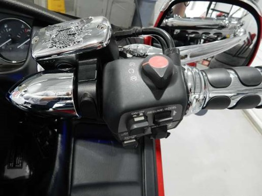 2016 Honda Gold Wing ABS Candy Prominence Red Photo 11 of 32