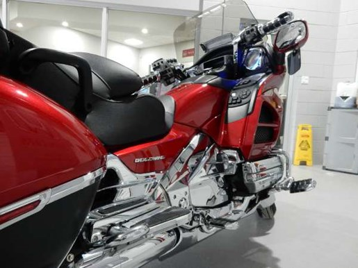 2016 Honda Gold Wing ABS Candy Prominence Red Photo 16 of 32