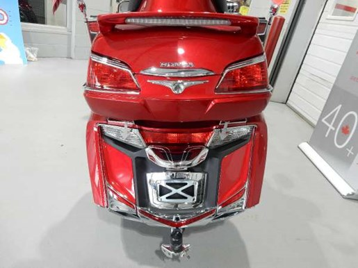 2016 Honda Gold Wing ABS Candy Prominence Red Photo 17 of 32