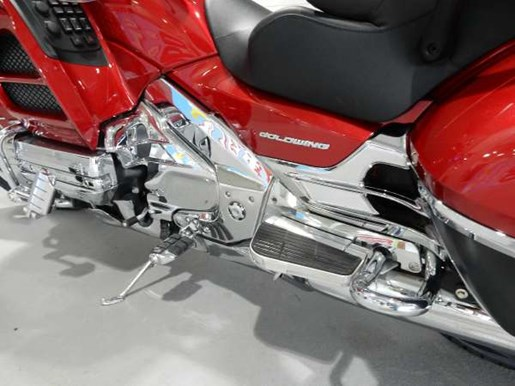 2016 Honda Gold Wing ABS Candy Prominence Red Photo 20 of 32