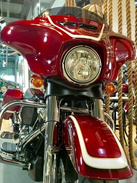 2017 Harley-Davidson FLHXS - Street Glide® Special Photo 7 of 17