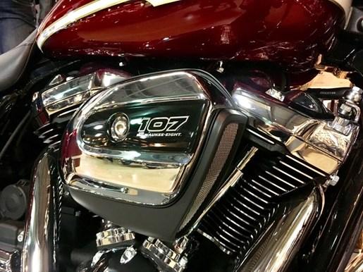 2017 Harley-Davidson FLHXS - Street Glide® Special Photo 14 of 17