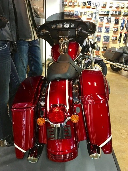2017 Harley-Davidson FLHXS - Street Glide® Special Photo 17 of 17