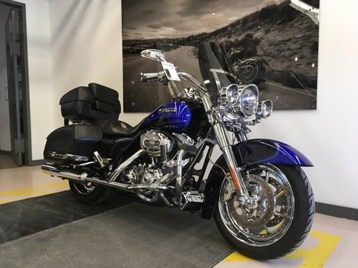 2008 Harley-Davidson FLHRSE4 - CVO® Road King® Photo 2 of 15