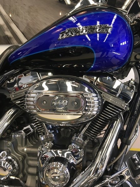 2008 Harley-Davidson FLHRSE4 - CVO® Road King® Photo 9 of 15