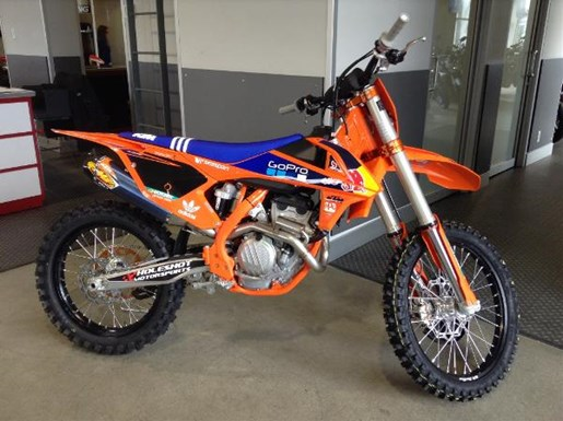 ktm 250 sx f factory edition 2017 new motorcycle for sale in langley serving greater vancouver. Black Bedroom Furniture Sets. Home Design Ideas