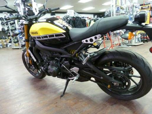 2016 Yamaha XSR900 60th Anniversary Yellow / Black Photo 4 of 7