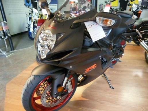 2017 Suzuki GSX-R600 - Black Photo 2 of 3