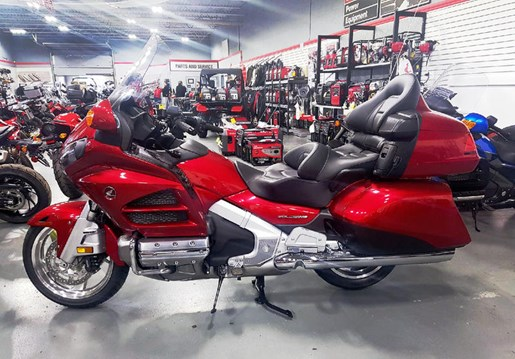 2017 Honda Gold Wing ABS Candy Red Photo 1 of 8