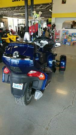 2010 Can-Am Spyder RT-S SM5 Photo 7 of 8