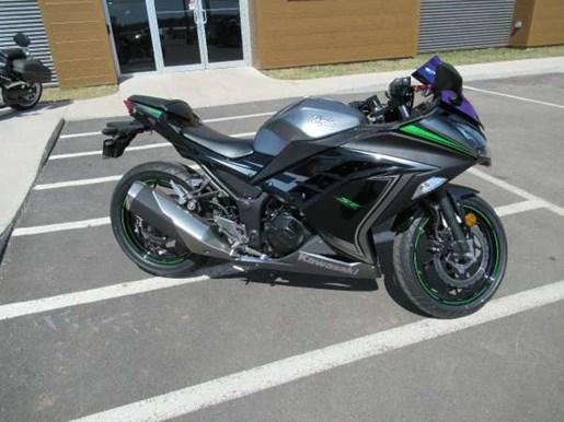 kawasaki ninja 300 abs se 2015 used motorcycle for sale in charlottetown prince edward island. Black Bedroom Furniture Sets. Home Design Ideas