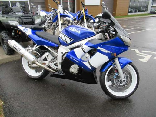 2001 Yamaha YZF-R6 Photo 1 of 7