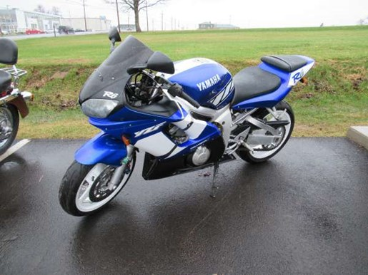 2001 Yamaha YZF-R6 Photo 3 of 7