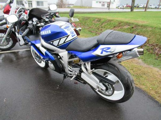 2001 Yamaha YZF-R6 Photo 4 of 7
