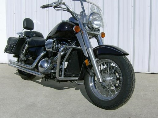 2003 Kawasaki Vulcan 1500 Classic Photo 2 of 4