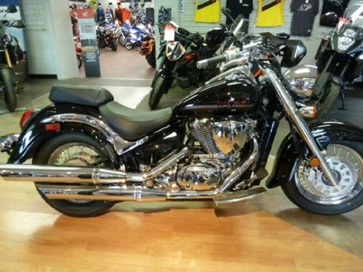 suzuki boulevard c50 black 2017 new motorcycle for sale in fenwick ontario. Black Bedroom Furniture Sets. Home Design Ideas