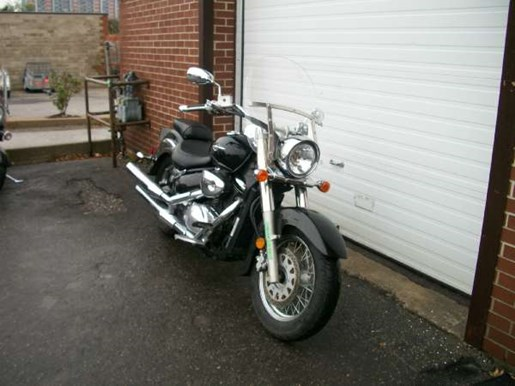 2005 Suzuki Boulevard C50 Black Photo 2 of 8