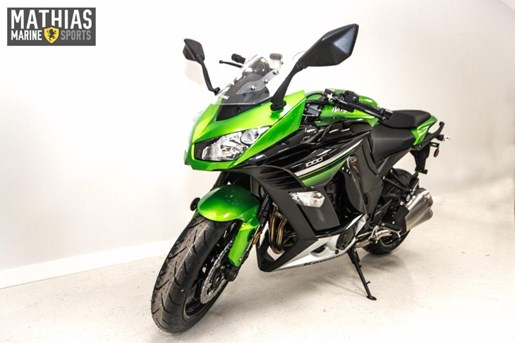 2016 Kawasaki NINJA 1000 ABS Photo 2 of 21