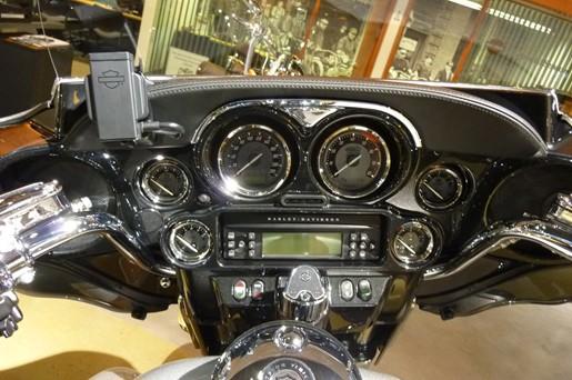 2013 Harley Davidson FLHTCUSE8 CVO Electra Glide Photo 3 of 3