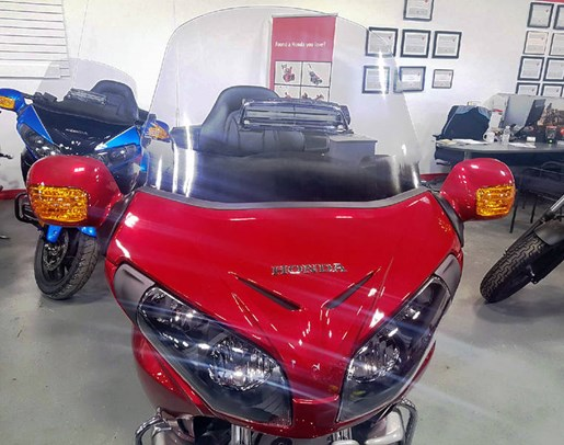 2017 Honda Gold Wing ABS Candy Red Photo 4 of 8