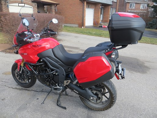 2012 Triumph Tiger 1050 SE ABS Photo 2 of 6