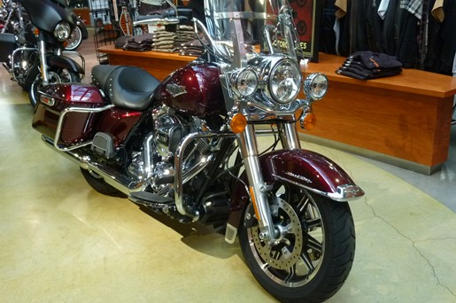 2014 Harley-Davidson FLHR Road King Demo Photo 2 of 3