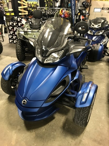 can am spyder st limited 5 speed semi automatic se5 2015 used motorcycle for sale in powassan. Black Bedroom Furniture Sets. Home Design Ideas
