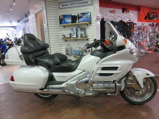 2008 Honda GL1800AD Gold Wing Photo 2 of 14