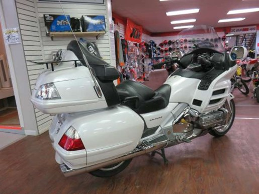 2008 Honda GL1800AD Gold Wing Photo 3 of 14