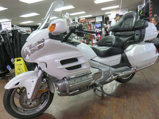 2008 Honda GL1800AD Gold Wing Photo 6 of 14