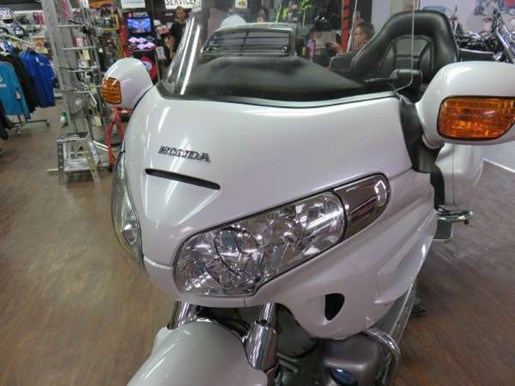 2008 Honda GL1800AD Gold Wing Photo 7 of 14