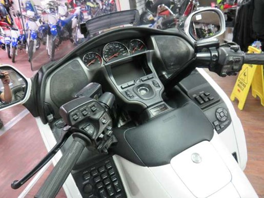 2008 Honda GL1800AD Gold Wing Photo 8 of 14
