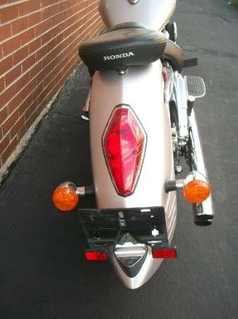2006 Honda VTX1300S (VT1300S) Photo 8 of 19