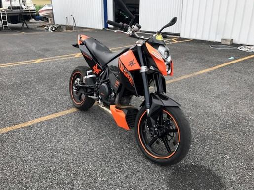 ktm duke 690 2009 used motorcycle for sale in st mathias quebec. Black Bedroom Furniture Sets. Home Design Ideas