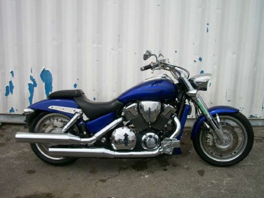 2006 Honda VTX1800C Performance Cruiser (VTX1800C) Photo 1 of 7