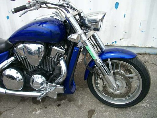 2006 Honda VTX1800C Performance Cruiser (VTX1800C) Photo 2 of 7