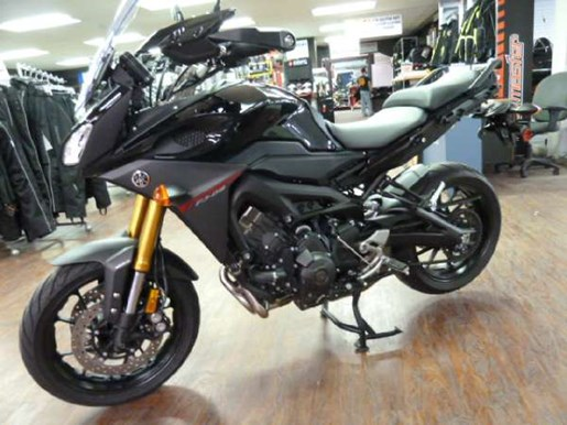 2016 Yamaha FJ-09 Metallic Black Photo 2 of 6