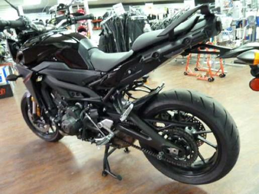 2016 Yamaha FJ-09 Metallic Black Photo 3 of 6