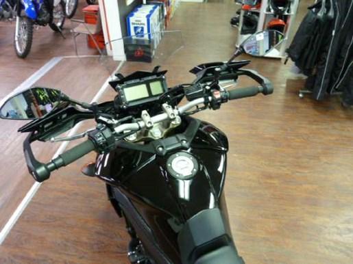 2016 Yamaha FJ-09 Metallic Black Photo 5 of 6