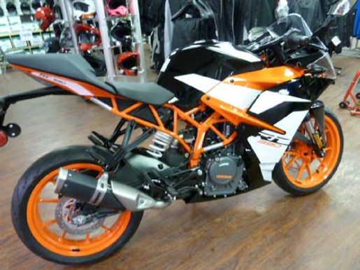 2017 KTM RC 390 Photo 2 of 6