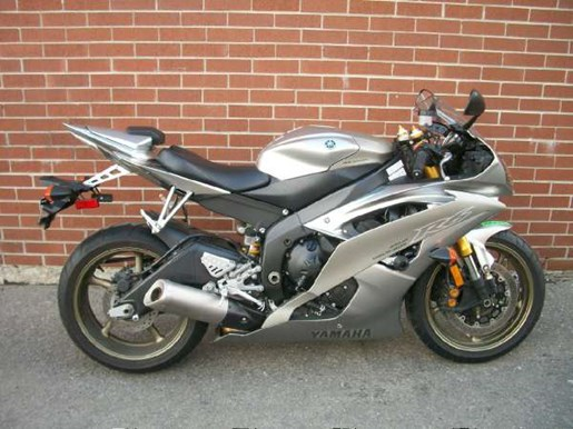 2008 Yamaha YZF-R6 Photo 1 of 23