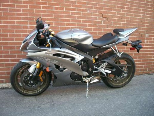 2008 Yamaha YZF-R6 Photo 16 of 23