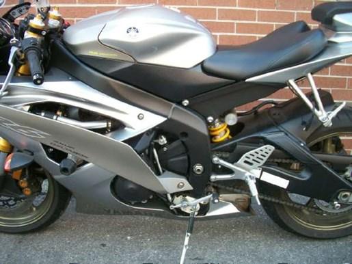 2008 Yamaha YZF-R6 Photo 18 of 23