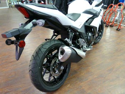 2018 Suzuki GSX250R White Photo 2 of 6