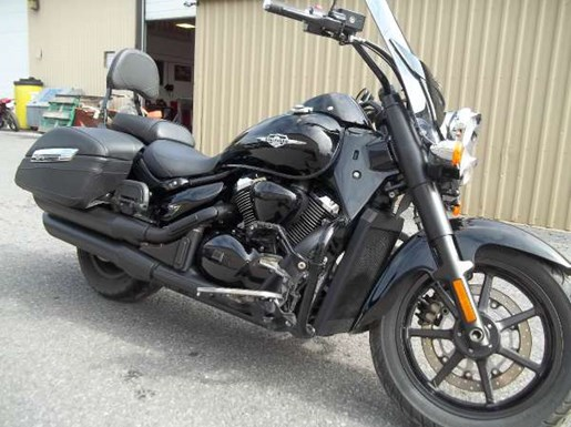 2013 Suzuki Boulevard C90T Photo 2 of 3