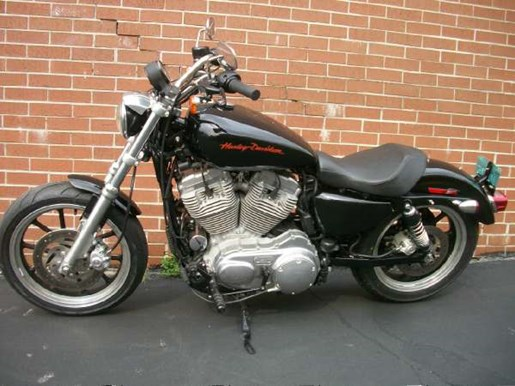 2011 Harley-Davidson Sportster 883 SuperLow Photo 17 of 33