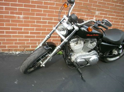 2011 Harley-Davidson Sportster 883 SuperLow Photo 31 of 33