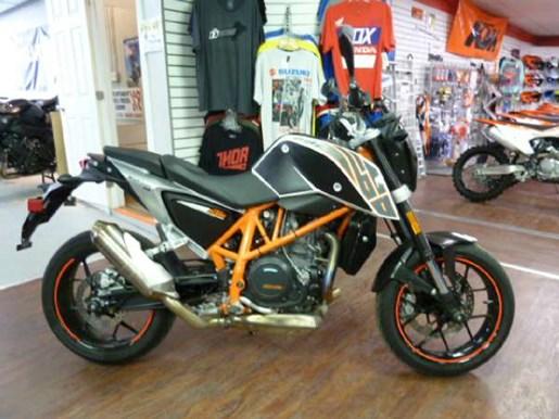 ktm 690 duke 2013 used motorcycle for sale in fenwick ontario. Black Bedroom Furniture Sets. Home Design Ideas